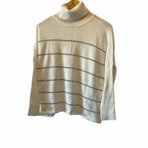 CUPCAKES&CASHMERE Short Striped Cream Turtleneck